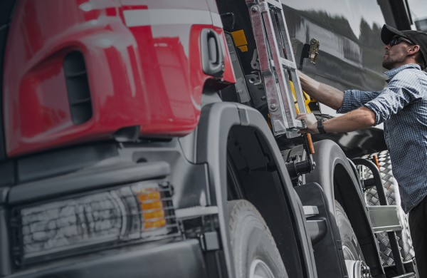 Top Tips for Protecting Your Fleet Against Cargo Theft